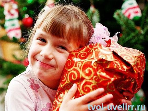 Новогодние-подарки-для-детей-1