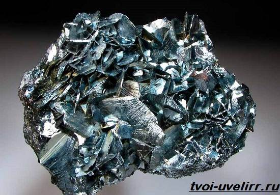 Что-такое-гематит-Свойства-добыча-применение-и-цена-гематита-1