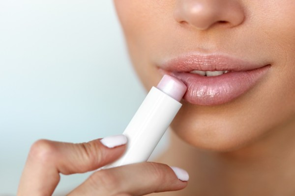 Как правильно накрасить губы, чтобы они были пухлые, но не вульгарные