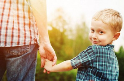 кто может усыновить ребенка