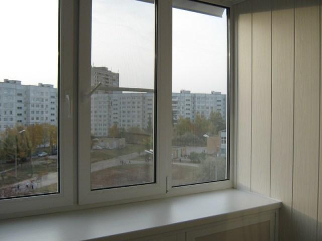 Пластиковые окна на балконе в Пензе Аквамарин