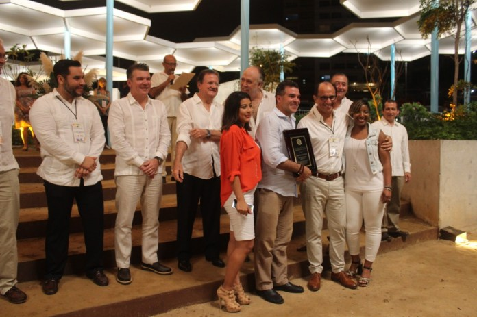 "Entregan premios ""Golden Deer"""