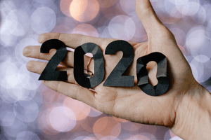 hand holding 2020