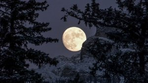 winter solstice moon
