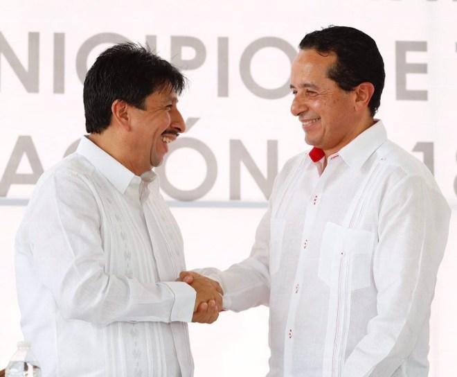 Asiste Carlos Joaquín a la toma de protesta de los presidentes municipales