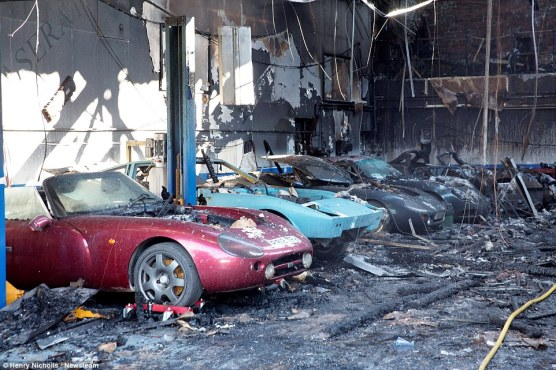 TVR traurige Überreste nach Brand (1)