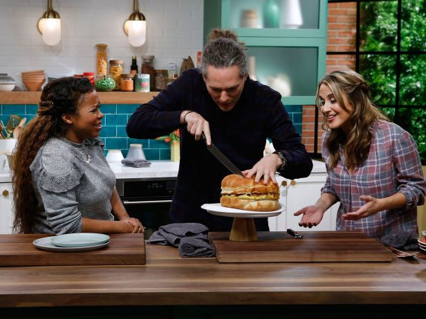 Kitchen Sink New Season Coming to Food Network in January