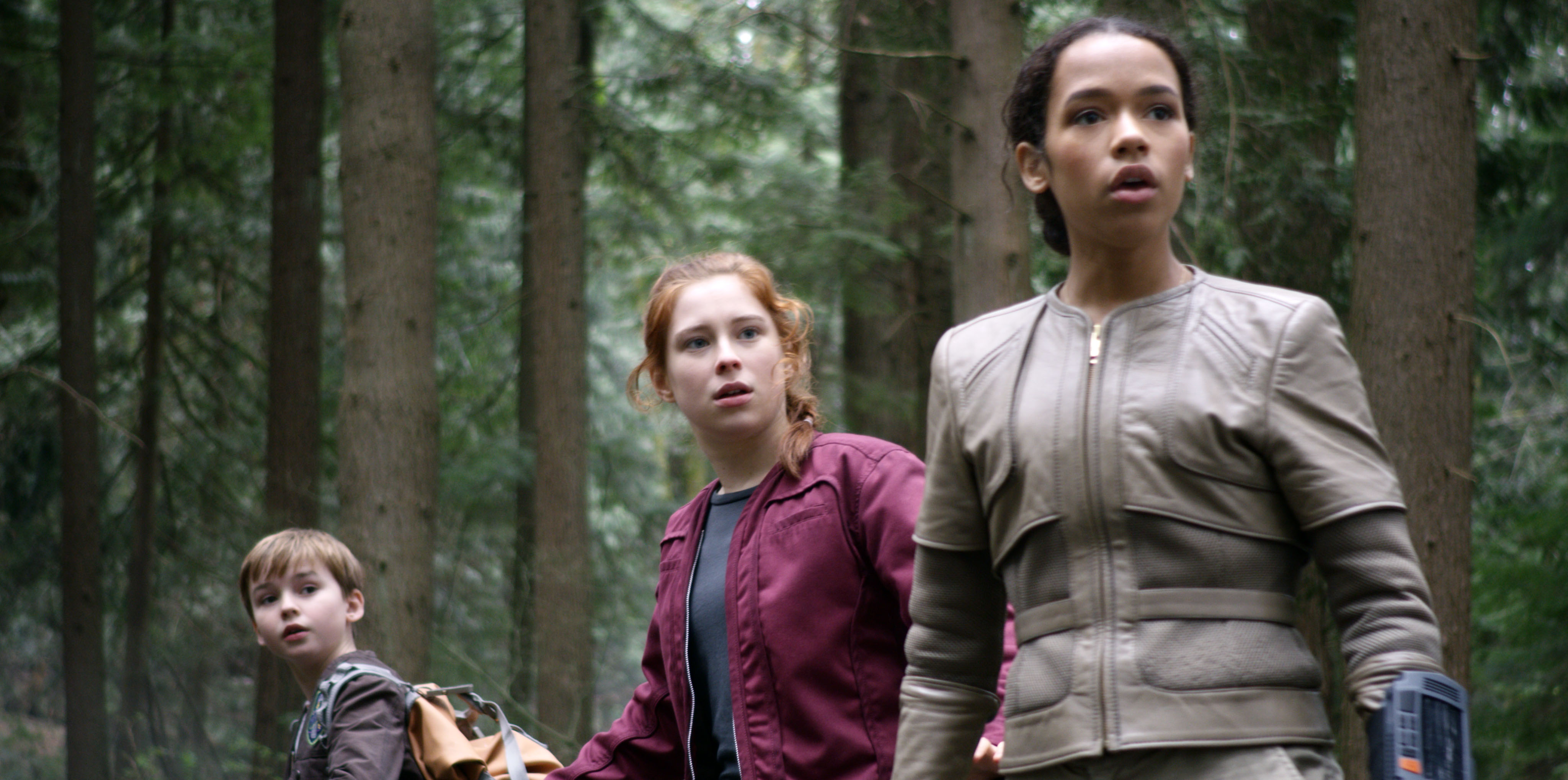 Lost In Space On Netflix Cancelled Or Season 2 Release