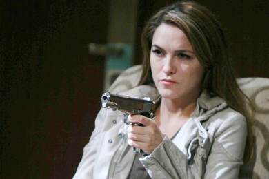 Jordan shows up at Clyde's hotel room - with a gun!