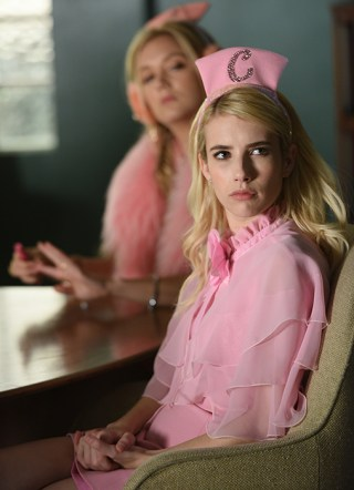 "SCREAM QUEENS: Emma Roberts in the all-new ""Warts and All"" episode of SCREAM QUEENS airing Tuesday, Sep. 27 (9:01-10:00 PM ET/PT) on FOX. Cr: Michael Becker / FOX. © 2016 FOX Broadcasting Co."