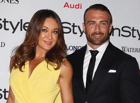 Commando dating Michelle ansluta 700r4 överföring