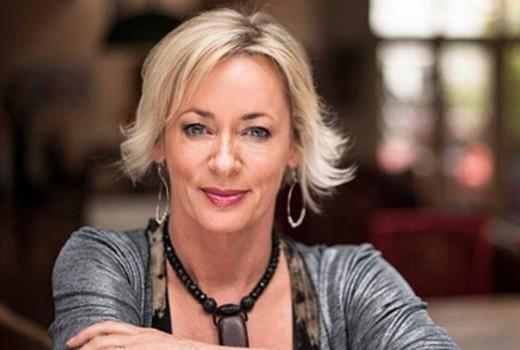 Tip The Logies Readers Favour Amanda Keller For Gold Tv Tonight