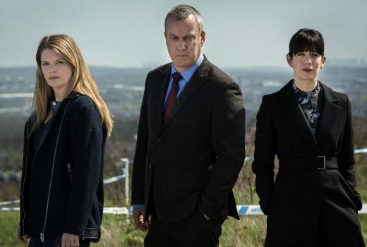 Picture Shows: L-R DS Annie Cabbot (ANDREA LOWE), DCI Alan Banks (STEPHEN TOMPKINSON) and DI Helen Morton (CAROLINE CATZ)