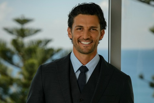 Tim robards is the bachelor tv tonight for The living room channel 10 tonight