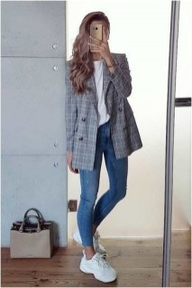 1 blazer with skinny jeans and sneakers casual office outfit source pinterest.com