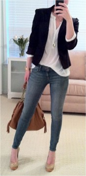 1 waist length blazer with skinny jeans casual office outfit source streetstyle.rocks