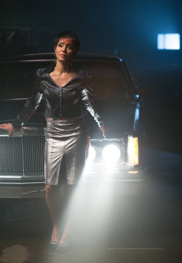 Gotham_104_FishMooney_sWarehouse_5002_hires1