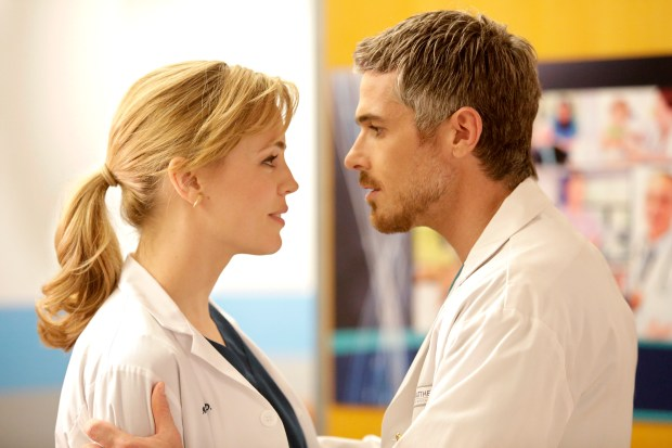 "HEARTBREAKER -- ""PILOT"" -- Pictured: (l-r) Melissa George as Dr. Alex Panttiere, Dave Annable as Dr. Pierce Harrison -- (Photo by: Michelle Faye/NBC)"