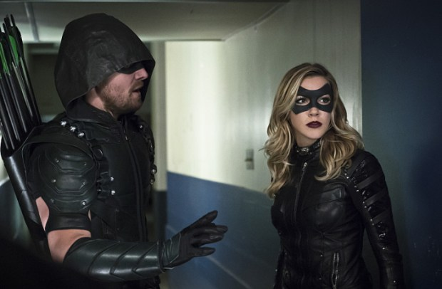 "Arrow -- ""Code of Silence"" -- Image AR414A_0103b.jpg -- Pictured (L-R): Stephen Amell as The Arrow and Katie Cassidy as Laurel Lance/Black Canary -- Photo: Katie Yu/ The CW -- © 2016 The CW Network, LLC. All Rights Reserved."