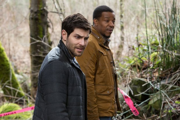 "GRIMM -- ""Inugami"" Episode 517 -- Pictured: (l-r) David Giuntoli as Nick Burkhardt, Russell Hornsby as Hank Griffin -- (Photo by: Scott Green/NBC)"