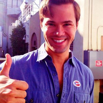 Andrew-Rannells-giving-thumbs-up-after-voting