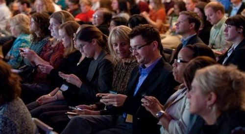 audience texting Capture