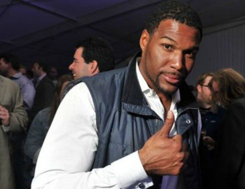 michael-strahan-thumbs-up