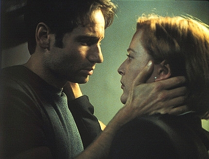 Mulder-and-Scully-the-x-files-79163_430_326