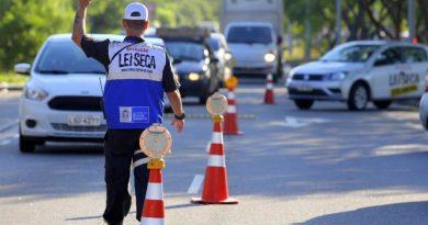Operação Verão da Lei Seca visa conscientizar sobre os perigos do álcool e direção