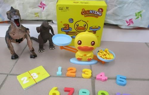 ﹝B.Duck﹞香港潮牌小黃鴨數字天平鴨兒童早教益智玩具組 | 媽咪拜MamiBuy