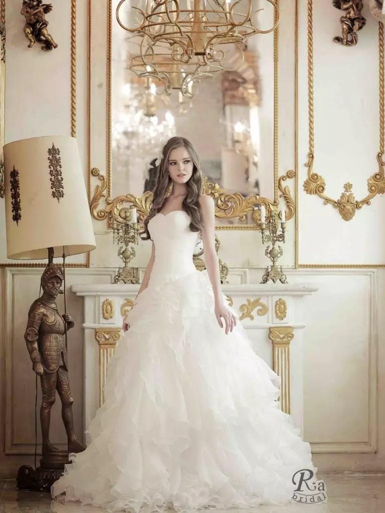 韓星御用指定 時尚高雅如公主般 手工訂製專屬婚紗 | TAEHEE WEDDING