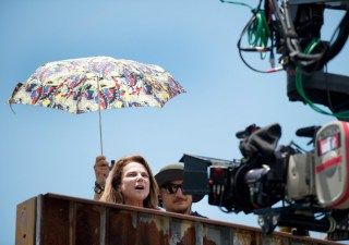 the-walking-dead-episode-605-bts-deanna-feldshuh-935