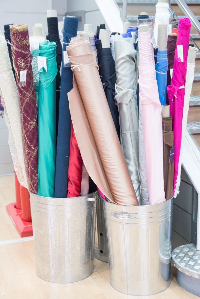 Stoffe Kaufen in London - Goldhawk Road - Tweed & Greet
