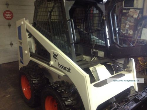 small resolution of bobcat 743 skid steer loader diesel enclosed cab and heat 2080 hrs bob cat