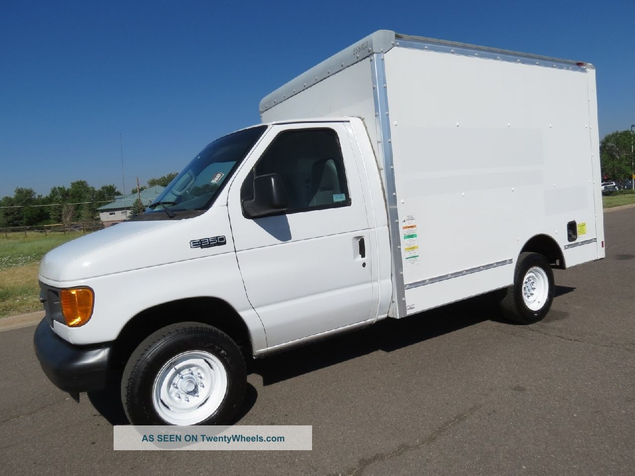 hight resolution of delivery trucks wiring wiring diagram 2005 ford e350 service utility work van delivery box truckdelivery trucks