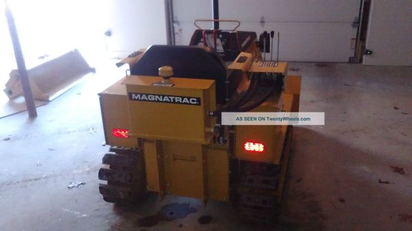 Magnatrac Rs1000 Mini Bulldozer Struck Corp - Year of Clean