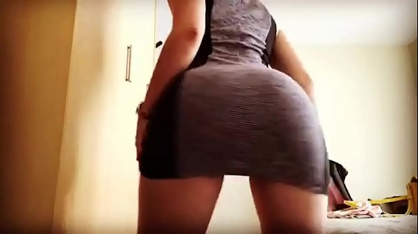 Tight white girl making it bounce up and down