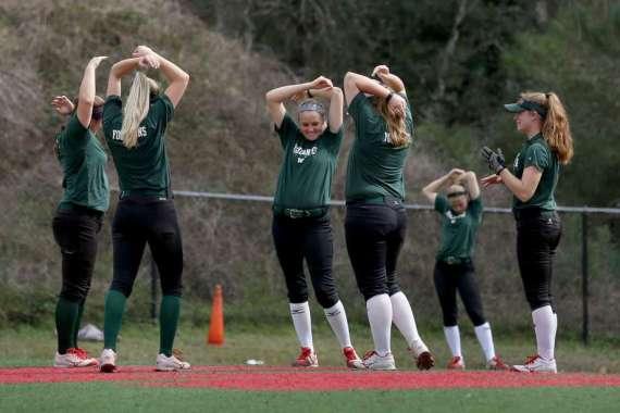 2017 Seniors Stretching on Turf