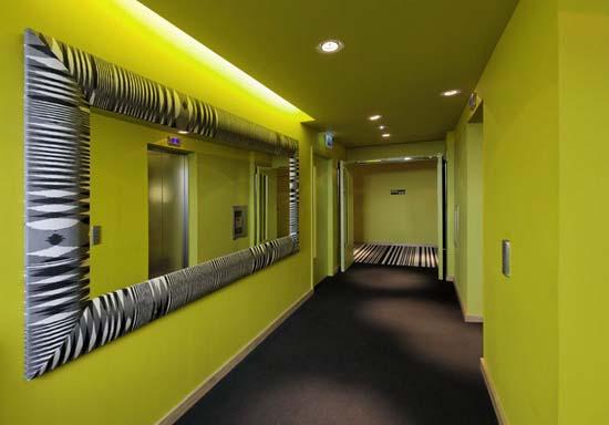 Gul färg i hallen