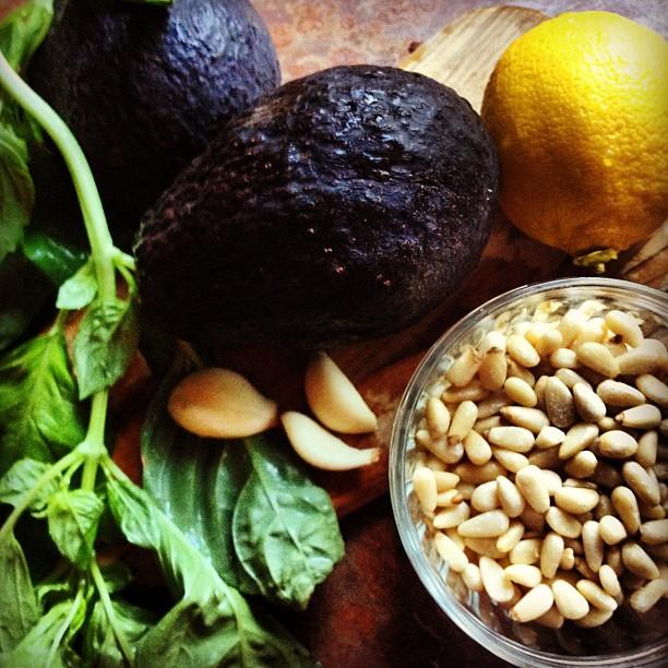 Avo-Pesto Pasta ingredients