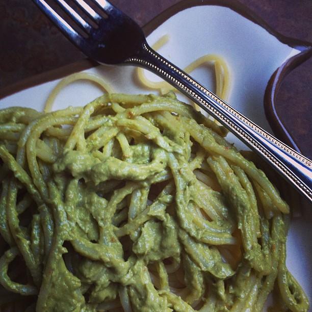 Avo-Pesto Pasta