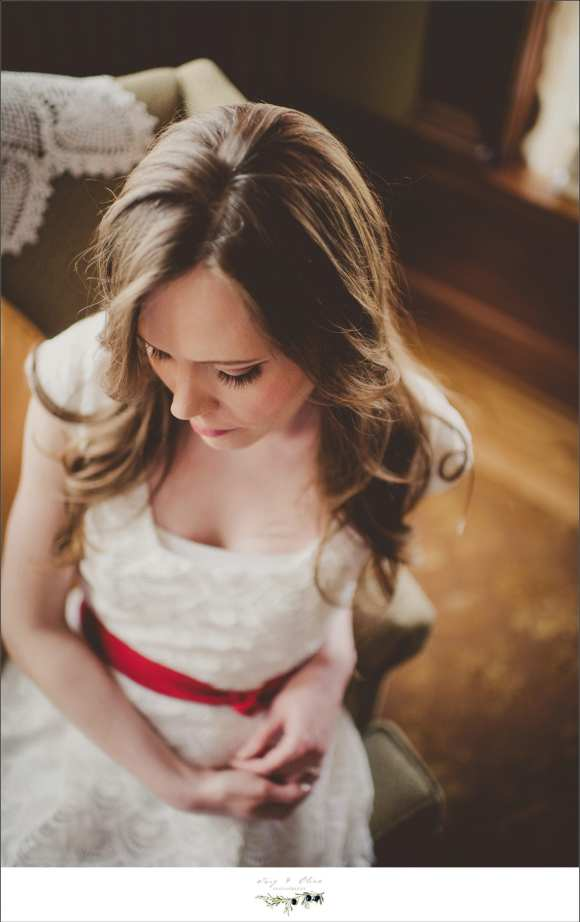 dresses, rustic sessions, engagements and couples, beautiful brides to be, Fort Wayne to Sun prairie
