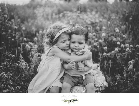 black and white, hair flowers, siblings, parents, children and families, moms and dads, outdoor sessions, Twig and Olive, capture the moments, TOP