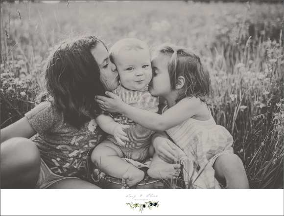 black and white photography, smoosh, hugs, sisters, siblings, summer sun dresses, group hug, Twig and Olive photography