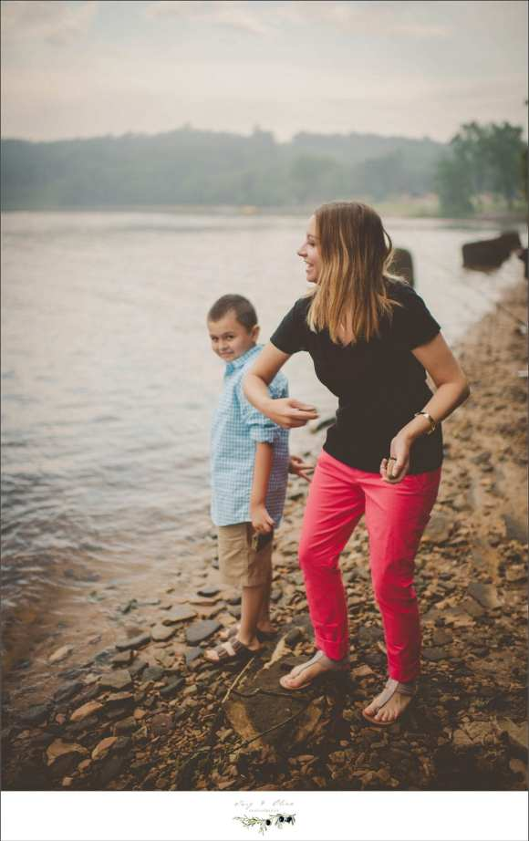 family sessions, mini sessions, lakes, sand, twig and olive