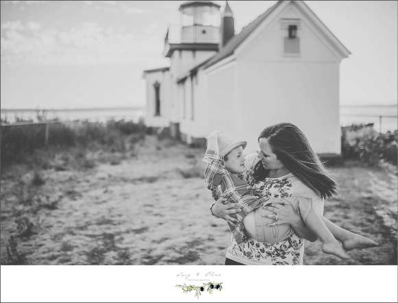 embrace, black and white, pacific ocean, beach sessions, family sessions