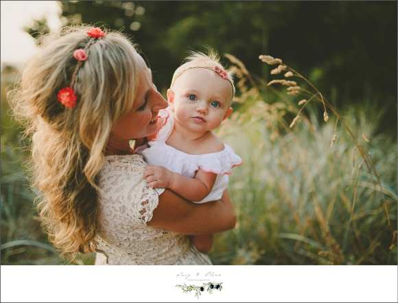 moms and babies, hair flowers, prairie grasses, outdoor sessions, Washington families