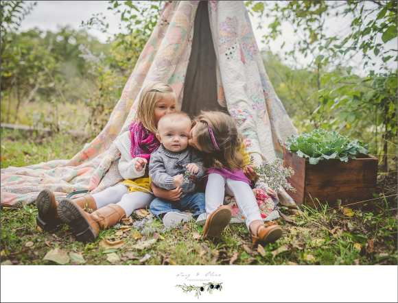 teepee three children