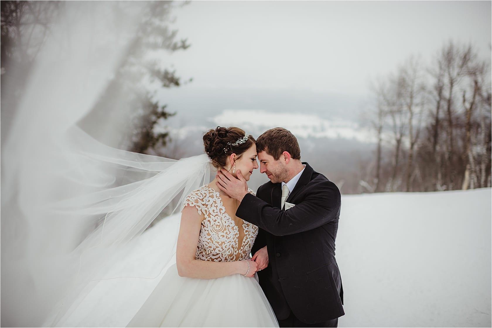 Wausau. Wisconsin Snow Filled Winter Wedding   The Jefferson Street Inn