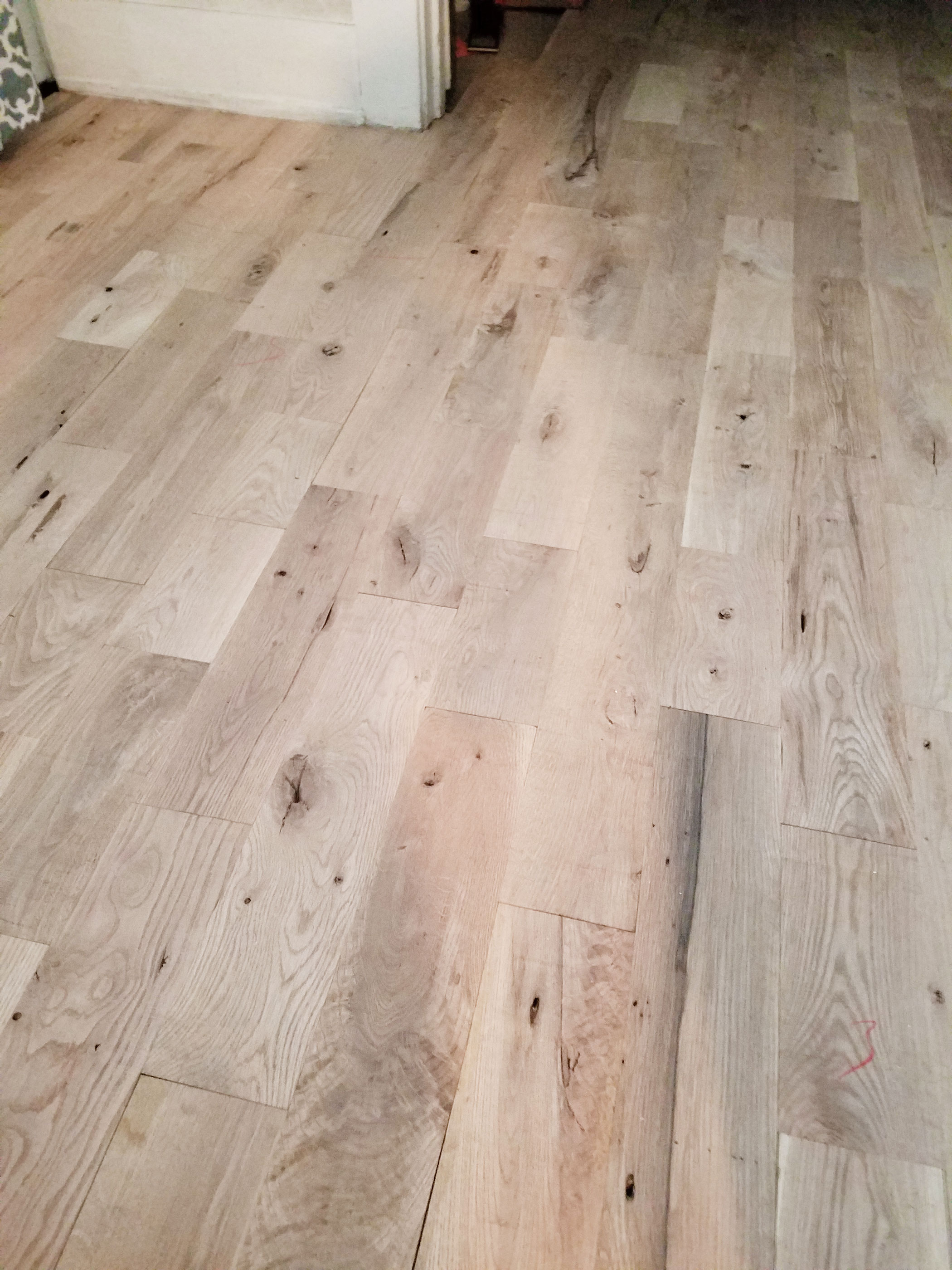 Pros And Cons Of Utility Oak Flooring Twig Amp White